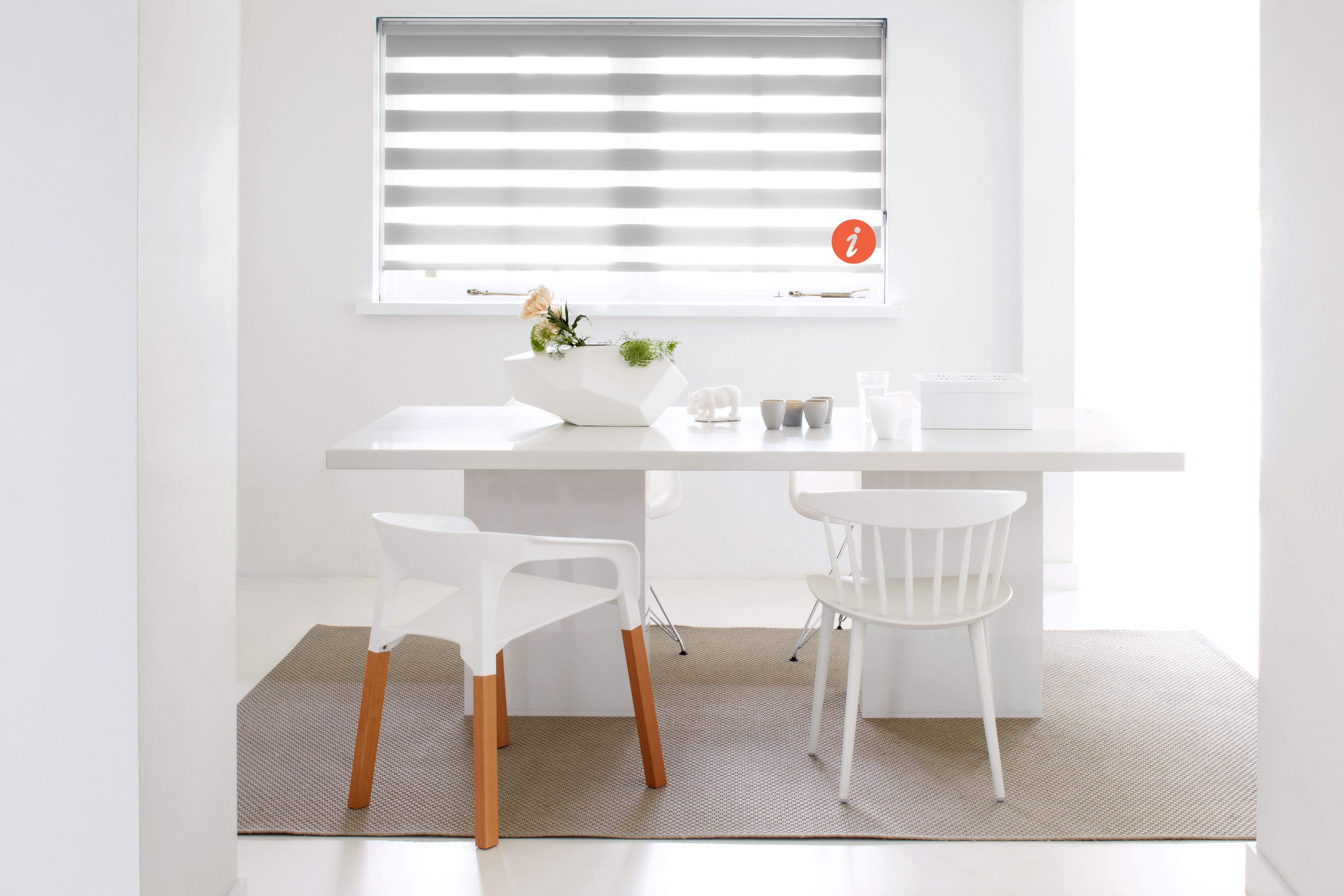 stores enrouleurs jour nuit simple store enrouleur cuisine cuisine blanche avec store occultant. Black Bedroom Furniture Sets. Home Design Ideas